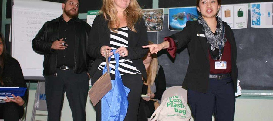 Bag ban workshop uncovers more problems than plastic