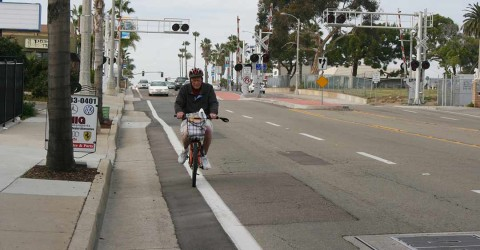 Coast Highway re-striped to two lanes