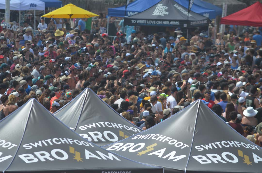 At least 15,000 fans come out for the free concerts. Photo by Tony Cagala