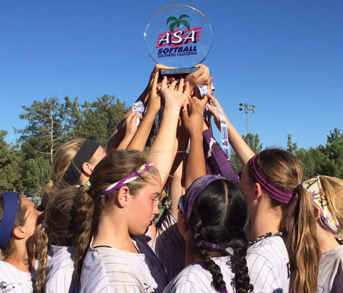 Carlsbad girls softball team raises the bar, and the trophy