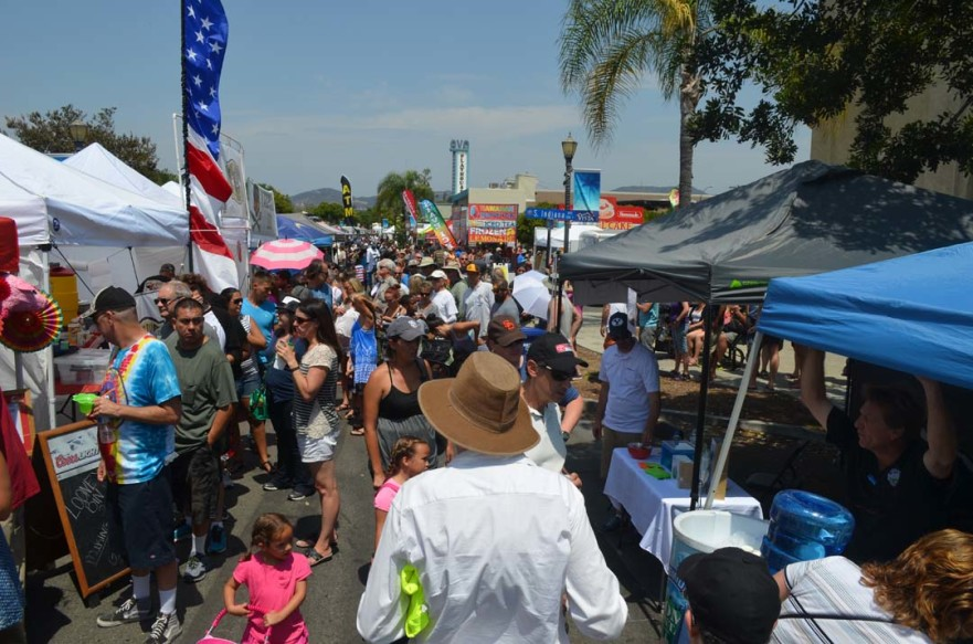 BBQ enthusiasts fill the streets of downtown Vista on Saturday. Photo by Tony Cagala
