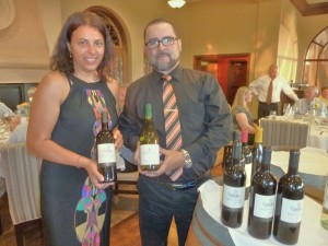 Alessia Botturi of Antinori Winery of Tuscany with La Gran Terraza manager Luis Rosas as they display the Tormaresca wines. Photo by Frank Mangio