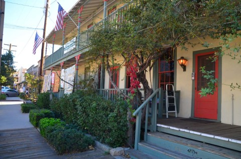 Hit the Road: Hotel Temecula has authenticity, colorful history — but no ghosts