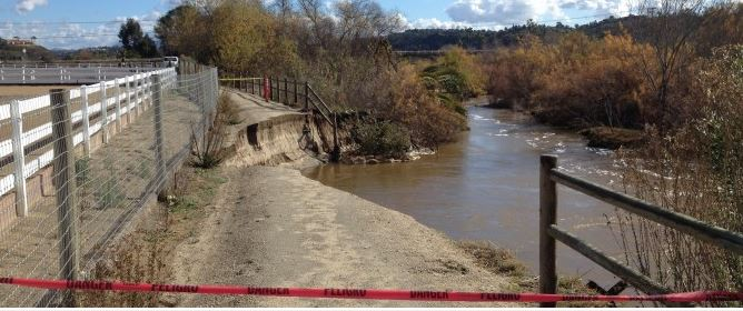 Unable to stabilize this bank along the San Dieguito River that eroded and took out about 75 feet of the Coast-to Crest Trail, the San Dieguito River Park Joint Powers Authority is proposing to build a bridge to reconnect the pathway. Courtesy  photo