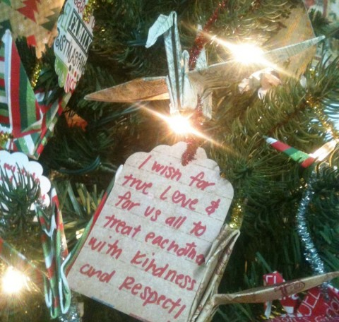 'Origami Guy' hopes thousand wishes come true through tree