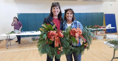 RSF Garden Club hosts holiday wreath-making event