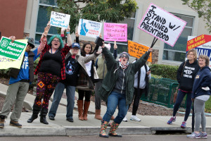 Pro- life and Pro-choice protesters demonstrate outside the Vista Planned Parent Hood office. Photo by Pat Cubel