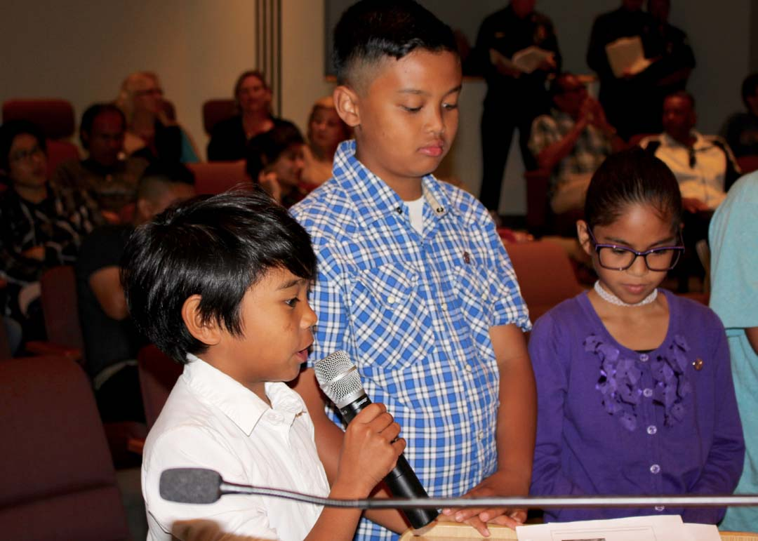 Del Rio Elementary students share ocean debris studies with City Council