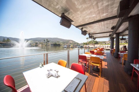 Lick the Plate: Lakefront dining at Decoy Dockside Dining in San Marcos