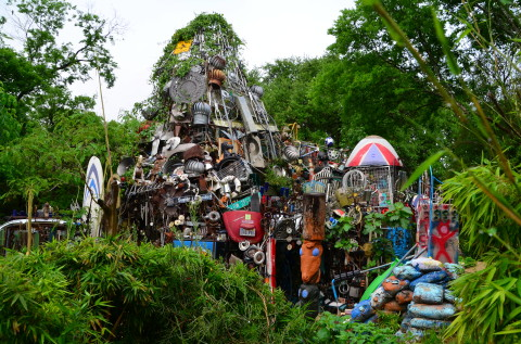 Austin man keeps city weird with Cathedral of Junk