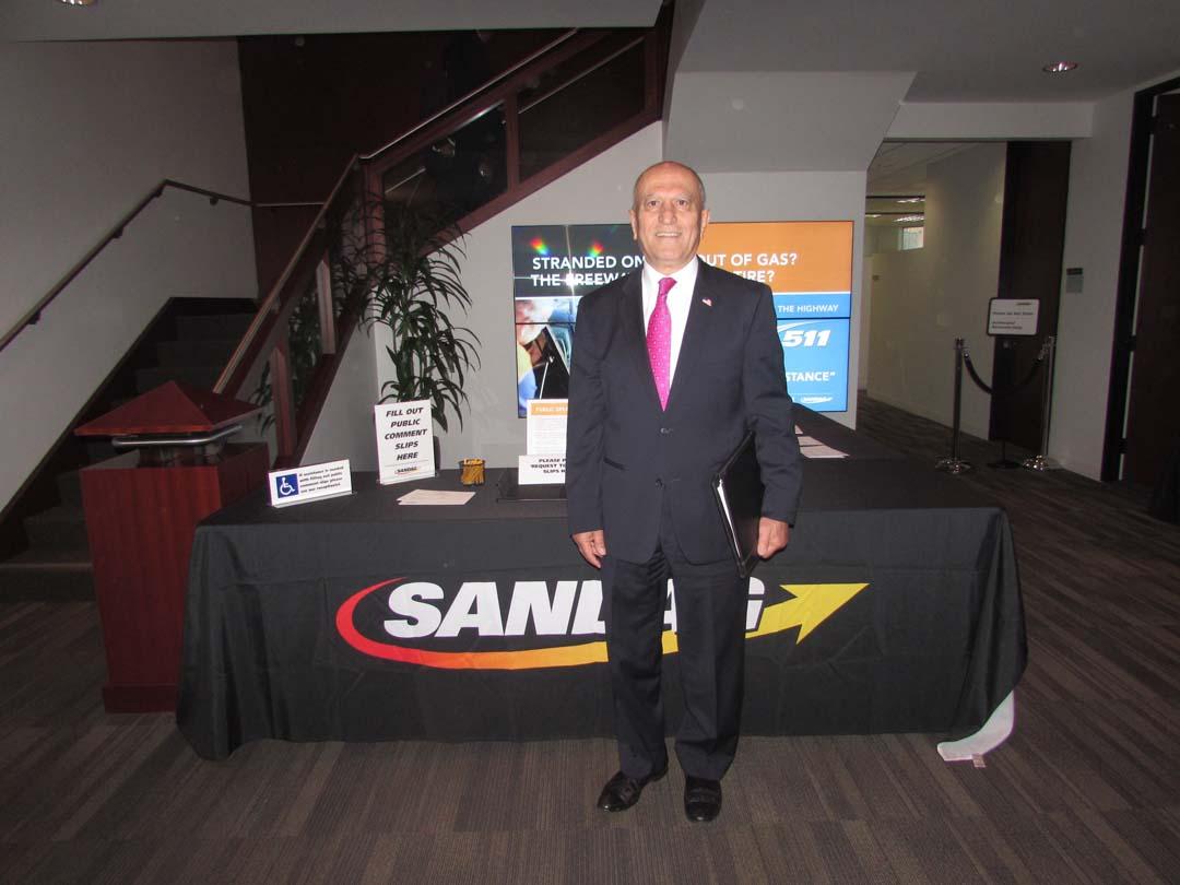 Escondido mayor boos bill to sandbag SANDAG