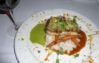 Seafood is what Pacifica Del Mar does best, and there is nothing better than a luscious Mahi Mahi with a dramatic view of the ocean.