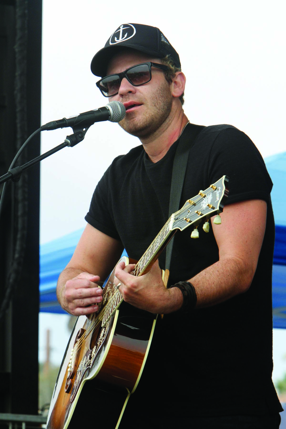 Lead vocalist Jason Wade of Lifehouse, which opened for Switchfoot. Photo by Pat Cubel