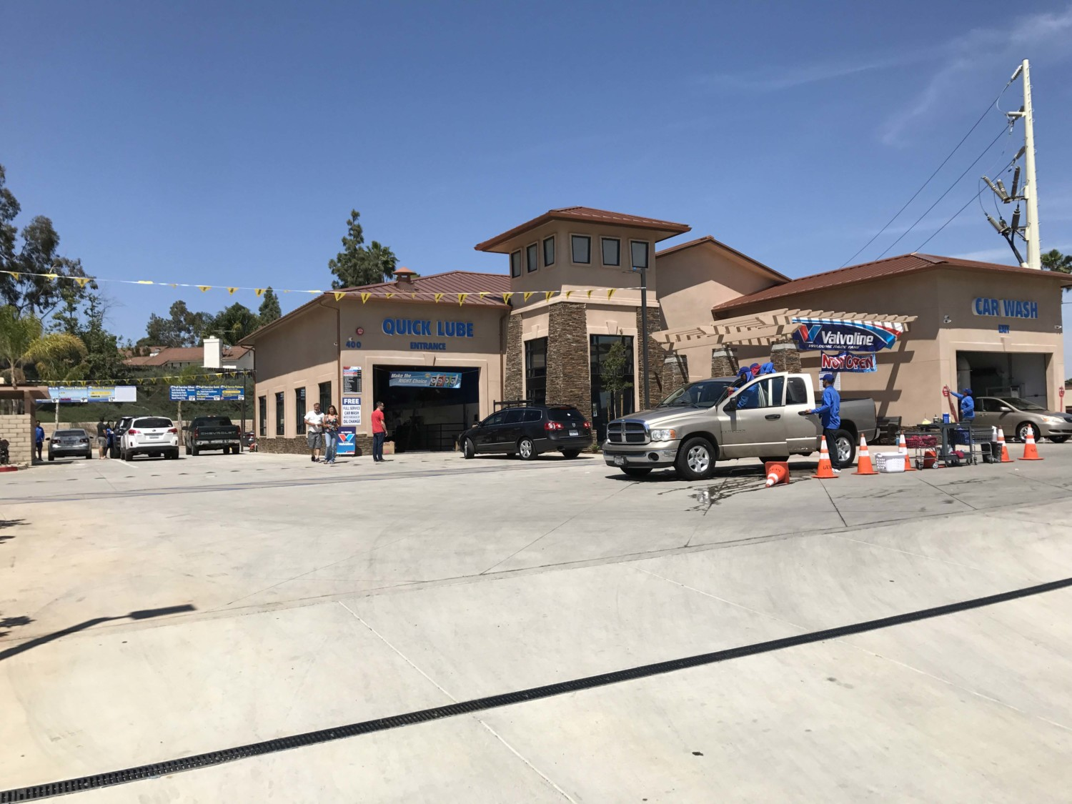 New buildings bring feeling of life to south escondido the coast the neighborhoods ongoing facelift has also been enhanced with the addition of talk of the town auto spa lube which opened only a few months ago on a solutioingenieria Images