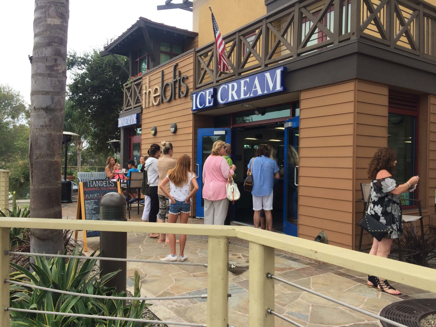 Ice cream shop's sweet success leaves bad taste with some neighbors