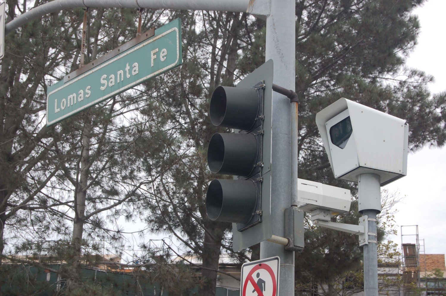 Red-light camera program extended in Solana Beach