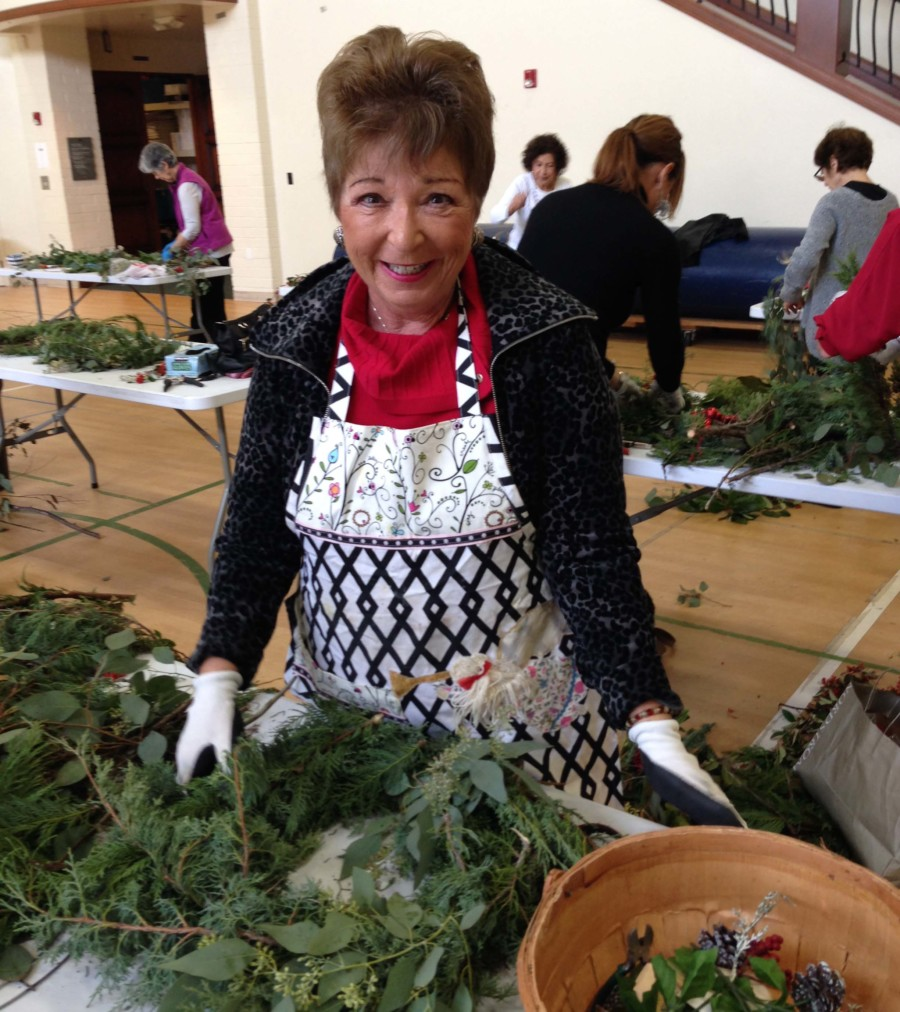 RSF Garden Club announces holiday wreath making