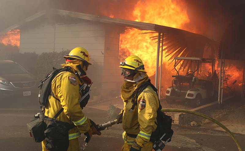 Fast-moving Lilac Fire brings destruction to North County