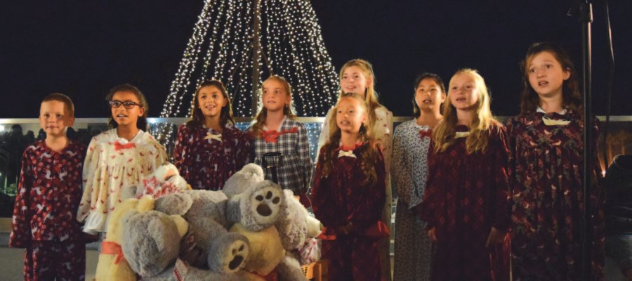 Oceanside lights up the season