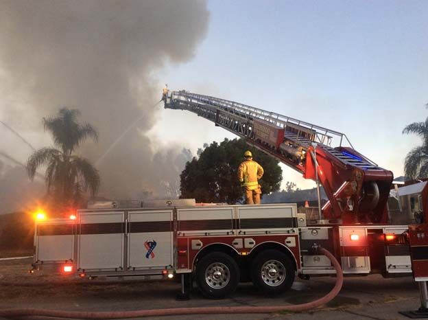 Blaze rips through Escondido Country Club clubhouse