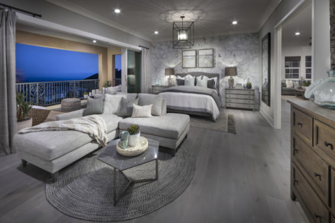 Luxury homes at Crown Point by Lennar at The Estates and The Summit