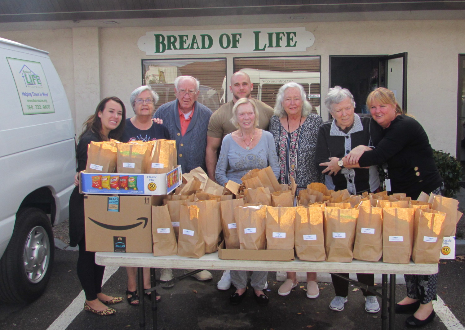 Seniors find the gift in giving back to community