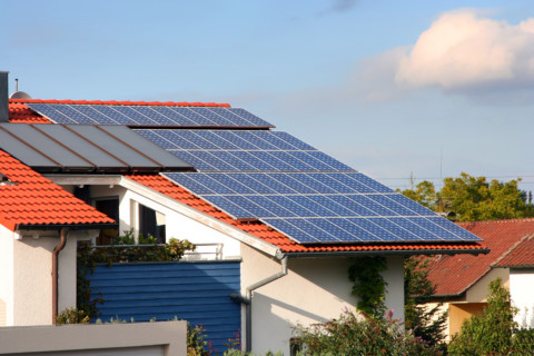 Solar panel mandate shakes up housing industry