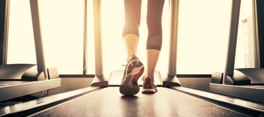 Head to head race: Treadmill versus outdoor running