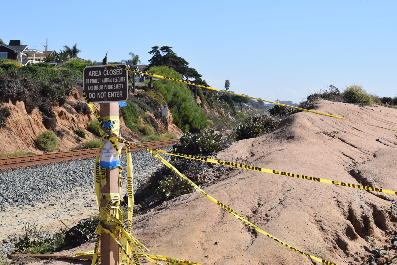 Residents oppose proposed bluff fencing