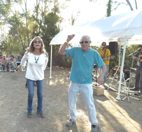 Novemberfest attracts nearly 600 guests to botanical gardens