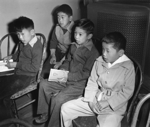 'Manzanar' exhibit examines Japanese internment camps